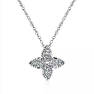 925 Sterling Silver Diamnd Clover Flower Necklace